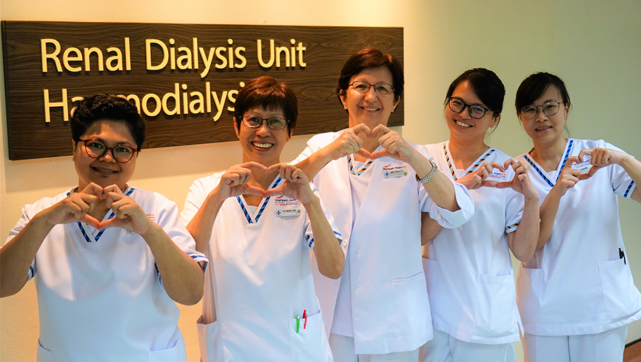 (L-R) Senior Staff Nurse Hirnani Binte Hamid, Assistant Nurse Clinician Tay Meng Eng, Senior Nurse Manager Jane Straaten, Nurse Clinician Wang Hwee May, and Senior Staff Nurse Ng Cynthia